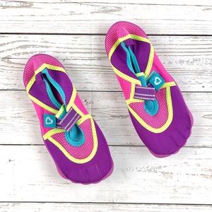 Children's Place pink and purple water shoes